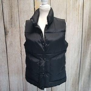 EUC Main Strip Black Puffer Vest size Large